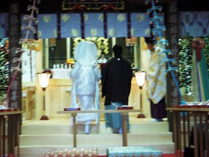 本殿挙式-新郎新婦 玉串拝礼