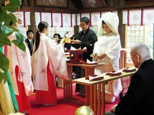 本殿挙式-三三九度 三献の儀