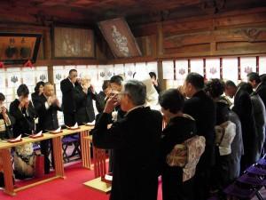 本殿挙式-親族固め盃の儀